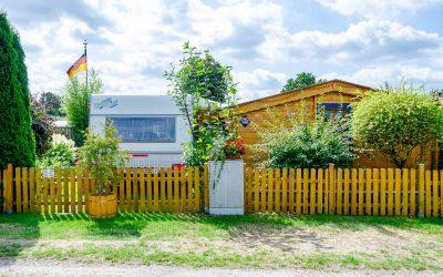 Camping-Dauerstellplatz mit eigenem Badezimmer
