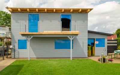 Neues Ferienhaus aus Holz im Bau